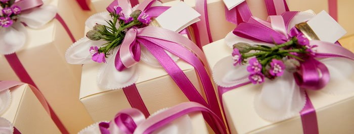 Trendy Bridesmaid & Groomsmen Gifts