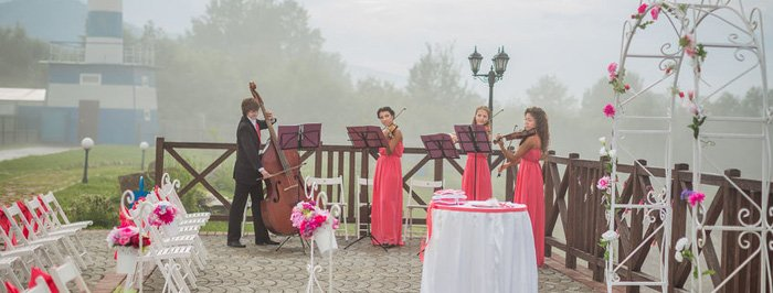 Live Musicians & Wedding Songs - The Essex Room Cape Ann MA