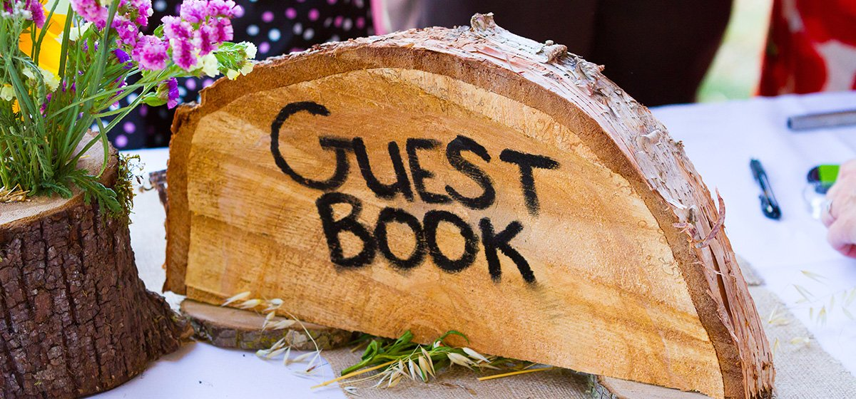 15 Unique Wedding Guest Book Ideas You'll Love